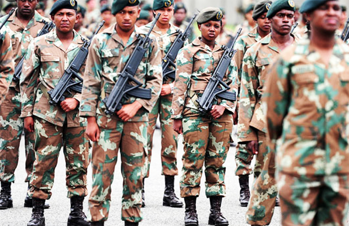 Minister deploys army to fight Cape crime
