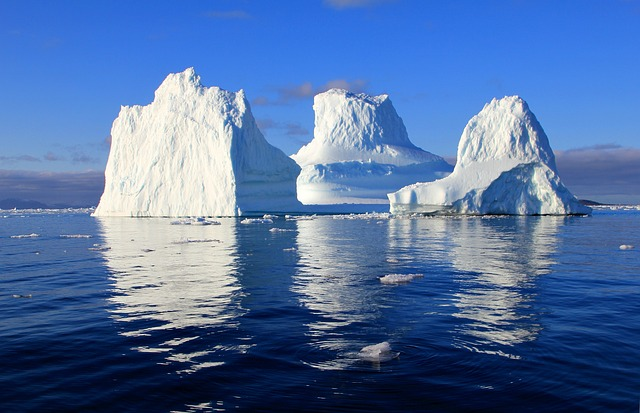 UAE businessman plans to drag iceberg to Cape Town