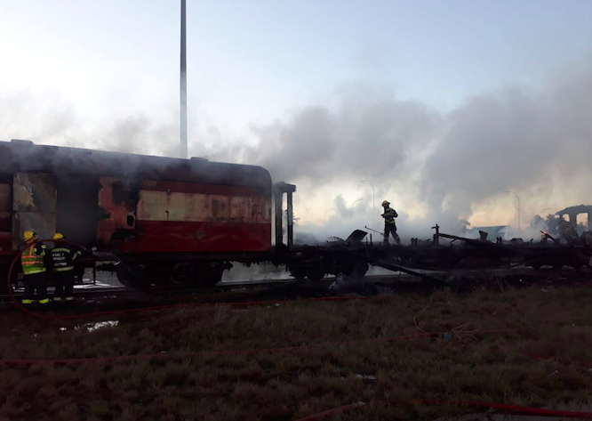 Train carriages burn in Bellville