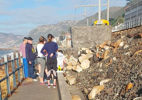 Jogger injured in rock attack