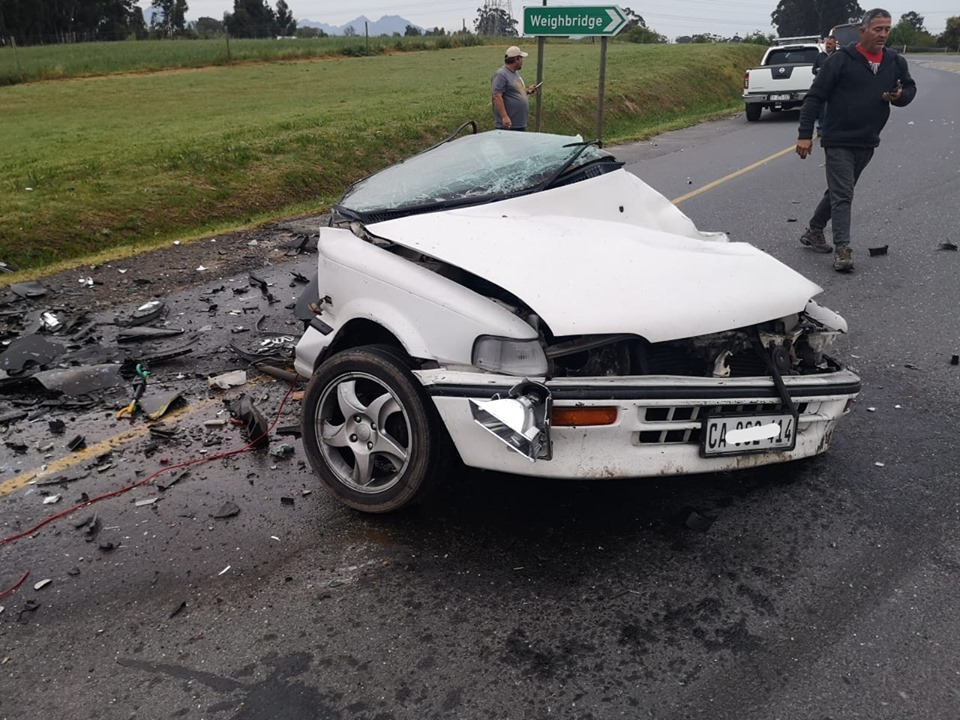Several die on Cape roads