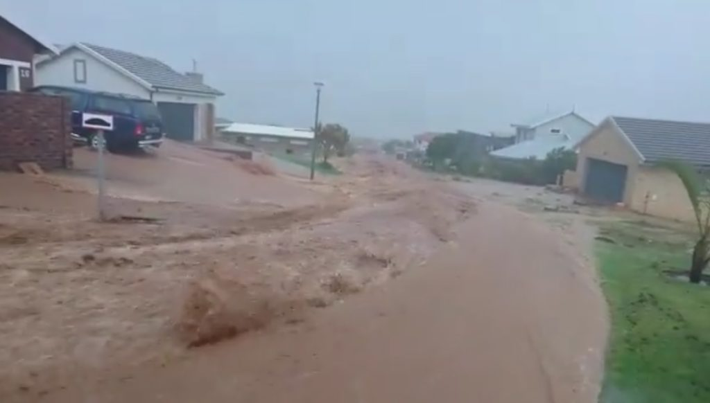 Western Cape towns flooded