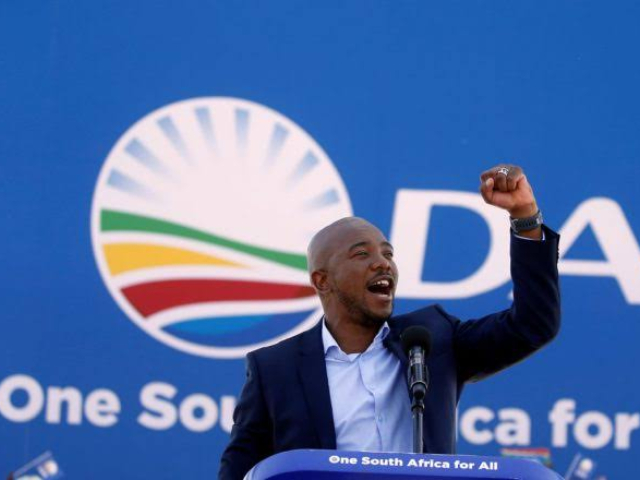 Maimane steps down as leader of DA