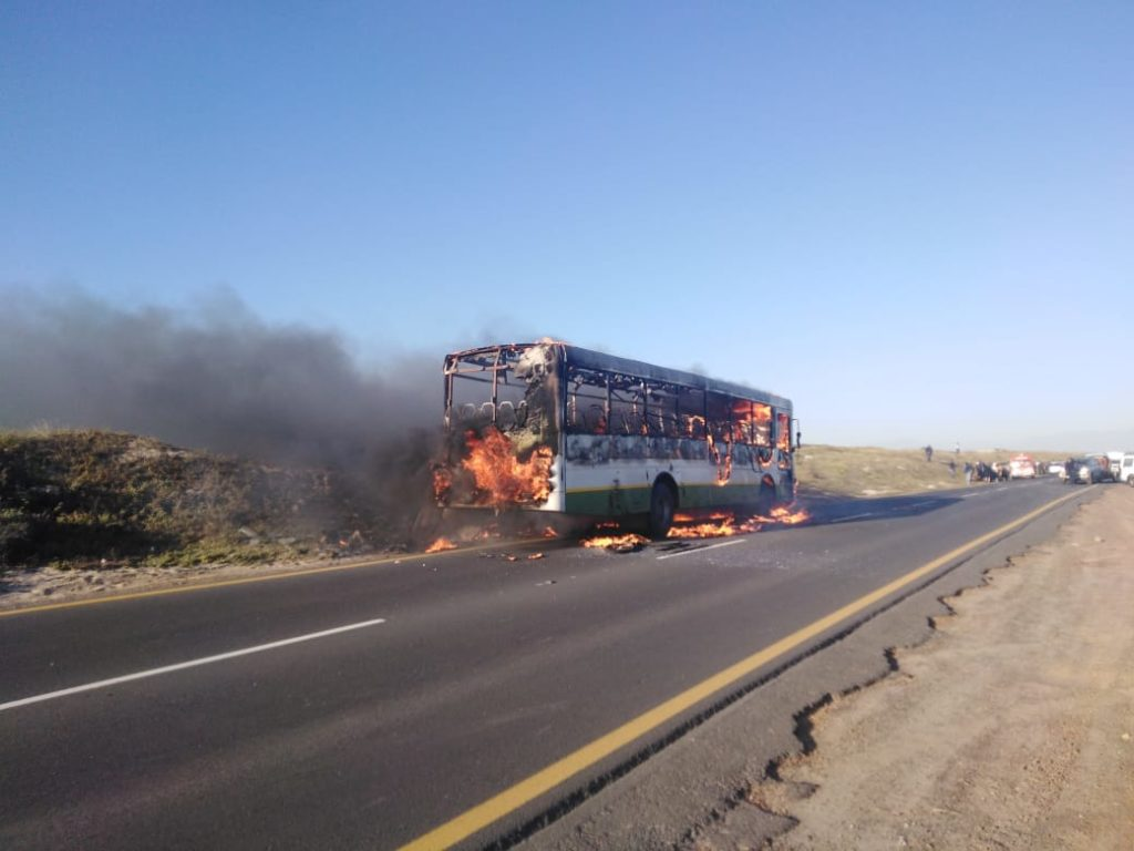 Another Golden Arrow bus set alight