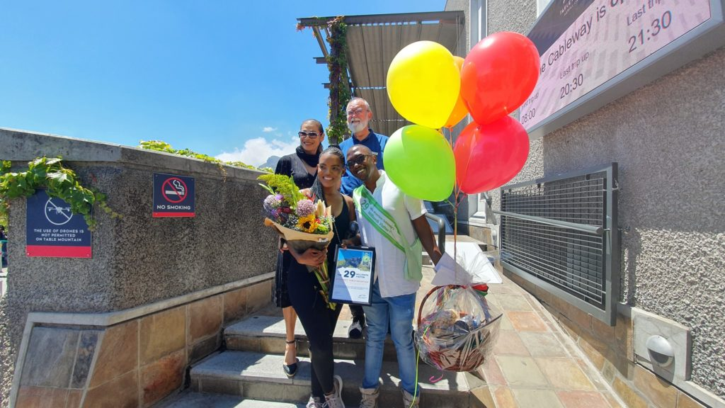 Couple gets surprise on Table Mountain