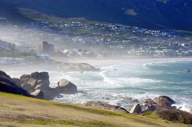 Mystery surrounds body found on Clifton beach