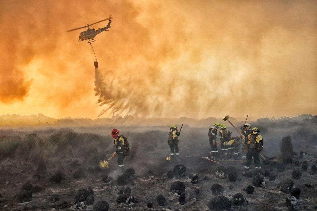 All-female crew tackles Noordhoek blaze