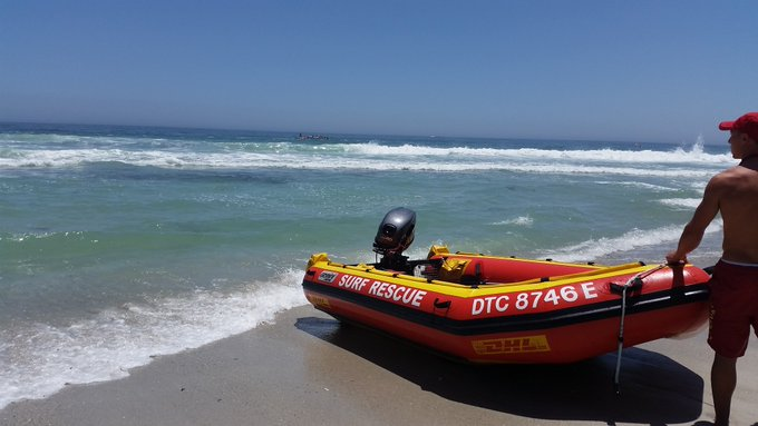Search for nine missing after boat capsized