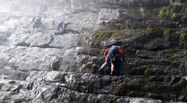 Hikers lost on Table Mountain for 20 hours