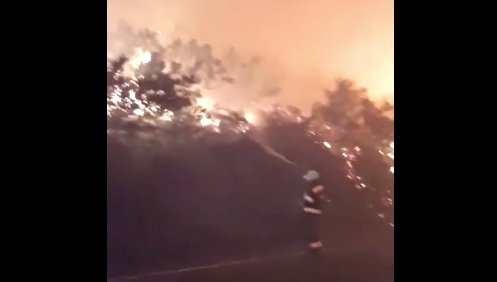 Du Toitskloof fire spreads to residential areas