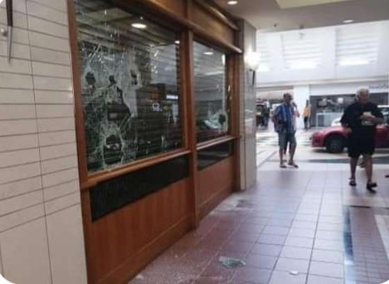 Attempted armed robbery at Somerset Mall