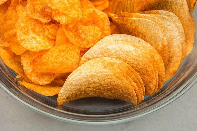 Lay's discontinues salt and vinegar flavoured crisps