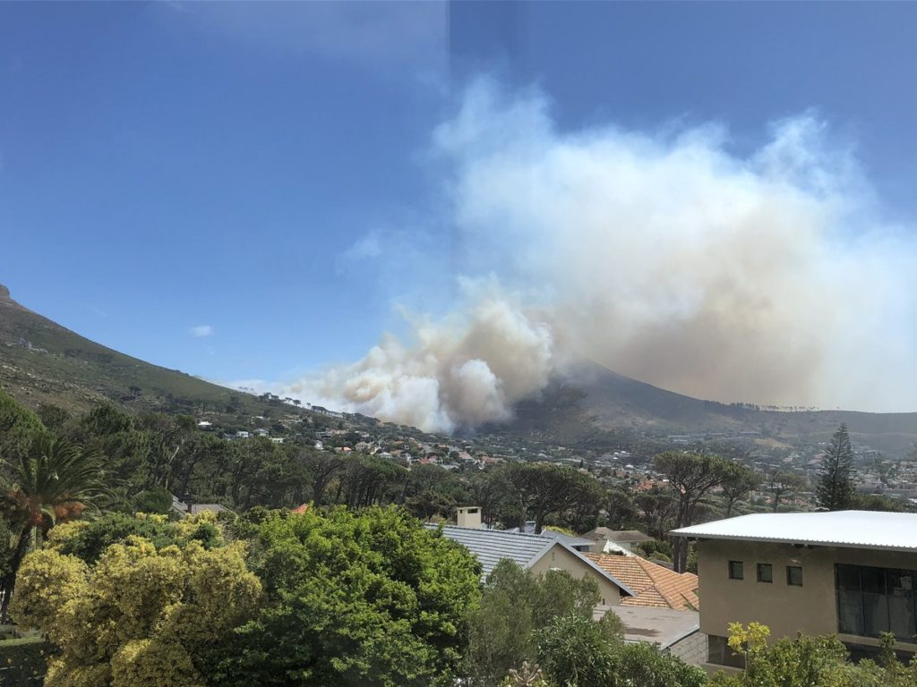 Fire breaks out on slopes of Table Mountain