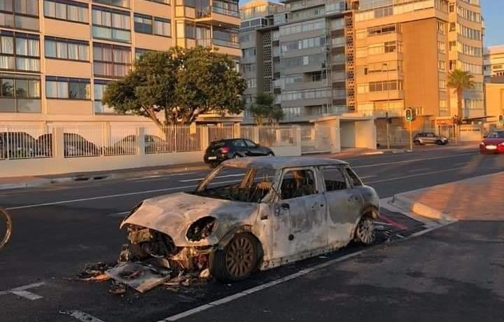 Sea Point man's car torched