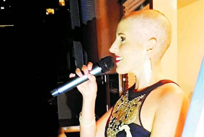 Sea Point's balcony singer: Breast cancer survivor inspires hope