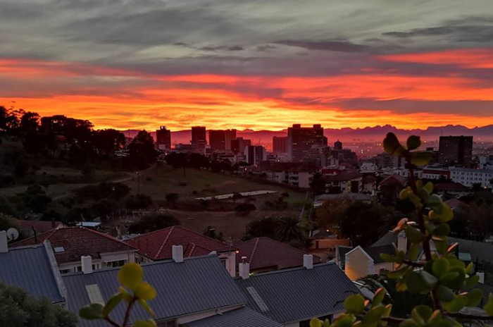 Cape Town skies amaze at sunrise and sunset