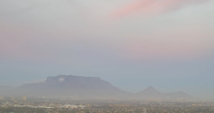 Watch the weather over Table Mountain live