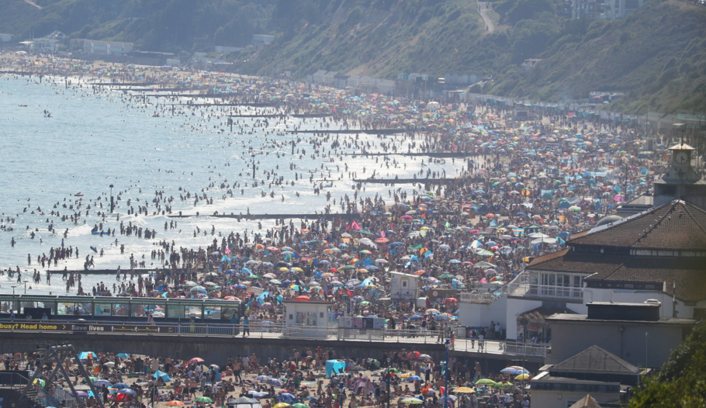 """Major incident"" declared after thousands visit beaches in England"