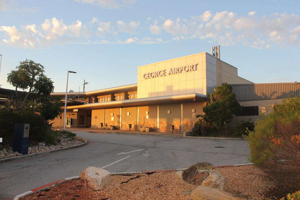 Minister calls for George Airport to be reopened