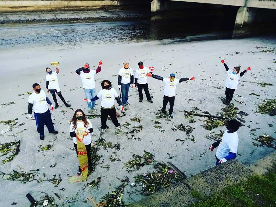 Homeless individuals clean Cape rivers