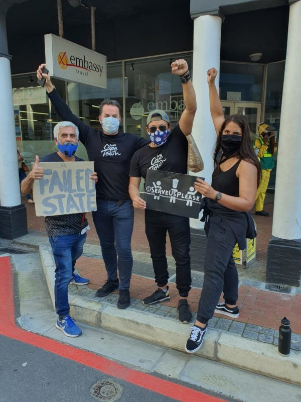 Police use stun grenades and water cannons on peaceful protestors