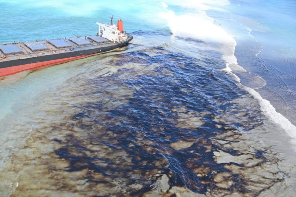 Drone footage captures locals cleaning up the Mauritius oil spill