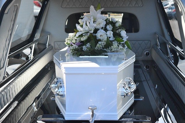 Residents advised to hold funerals on weekdays