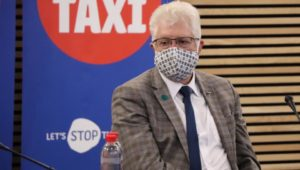 Premier Alan Winde calls for borders to reopen