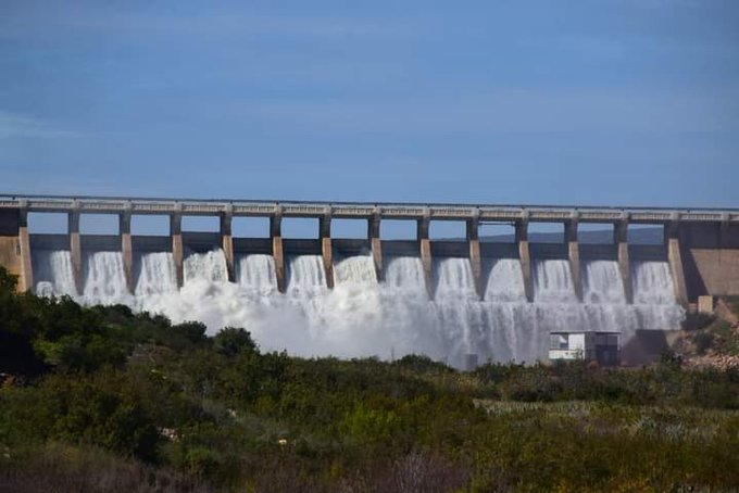 Clanwilliam dam overflows after recent rains