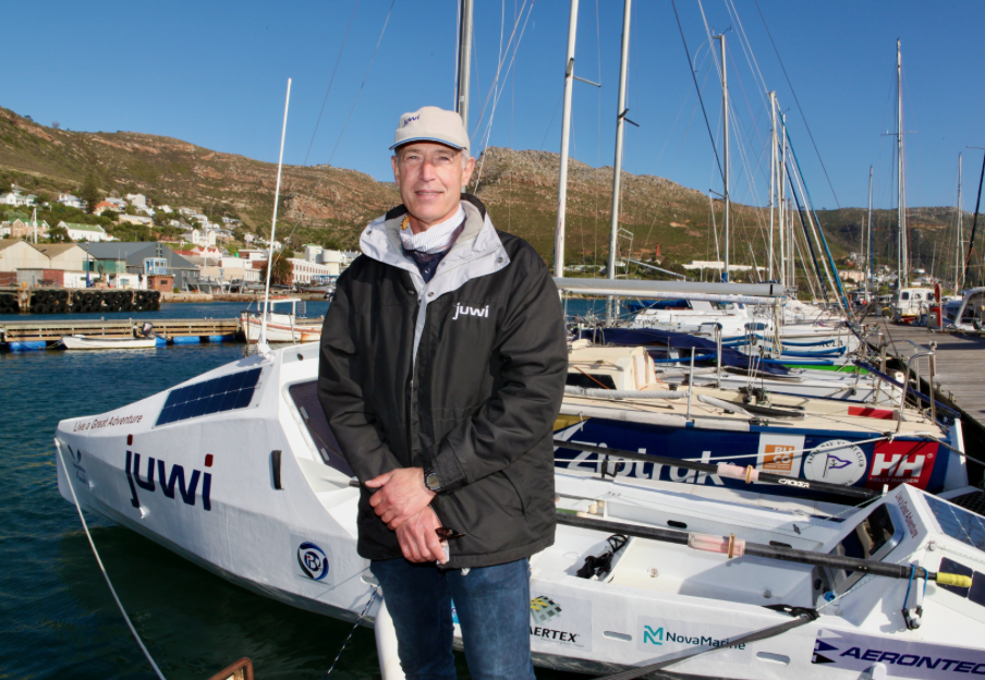 Ex-Naval combat officer sails from Cape to Rio
