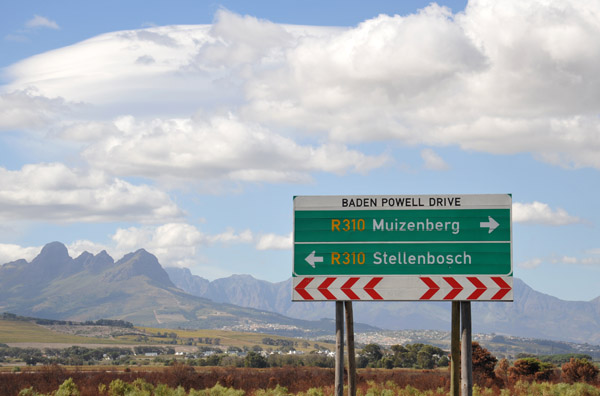 Five killed in accident on Baden Powell, one arrested for drunk driving