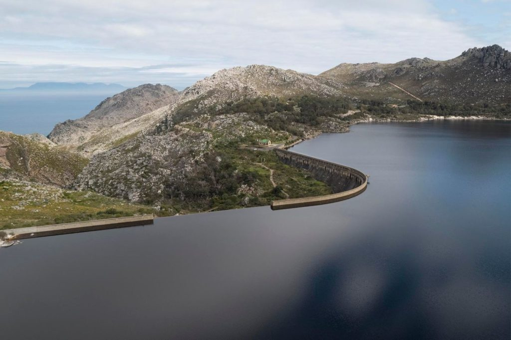 Cape Town dam levels at historic 100.8%