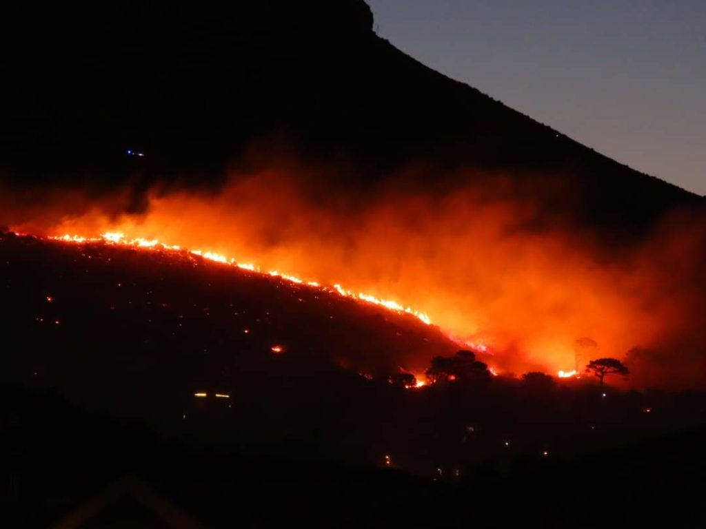 PICTURES: Fire on lower Table Mountain still burning