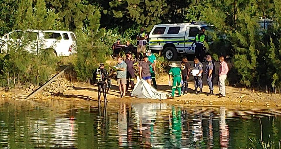 Teen drowns after canoe capsizes