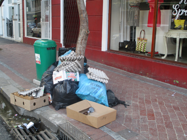 Litter in Cape Town and Durban CBDs triple after level 5