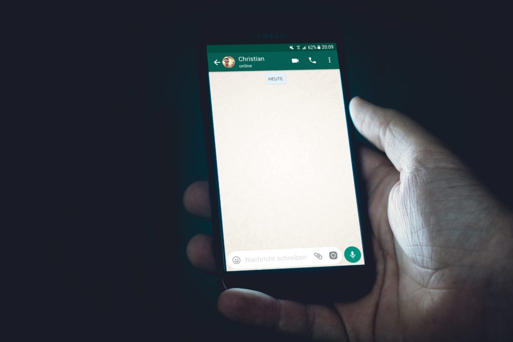 WhatsApp rolls out new 'disappearing messages' option