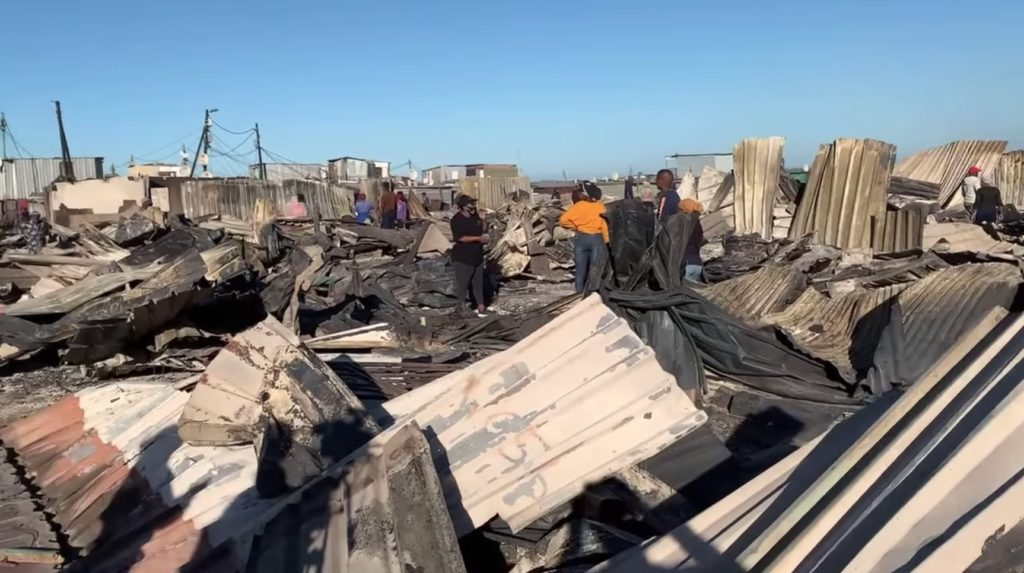 Over 1000 structures destroyed in Masiphumelele fire