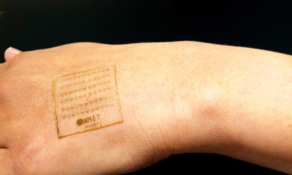 Researchers invent artificial skin that can feel pain, heat and pressure
