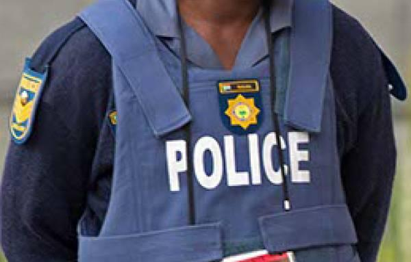 Two teenagers (16) and one man shot dead in Ravensmead