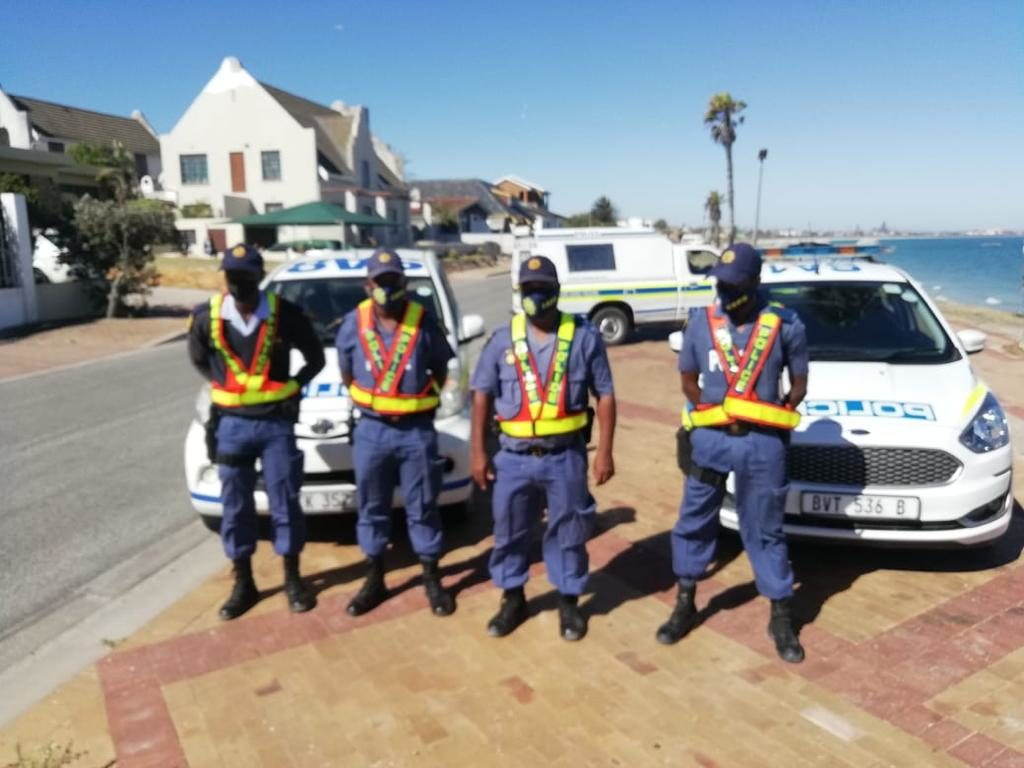 Western Cape police hand out nearly 3000 fines during first weekend of 2021