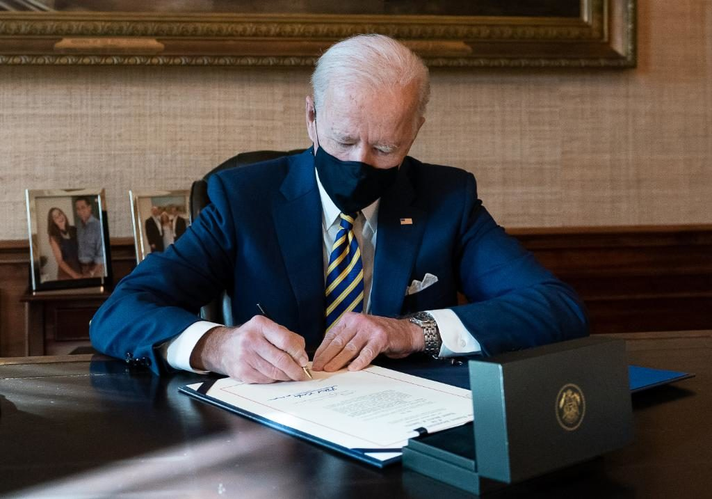 Biden to introduce travel ban from South Africa