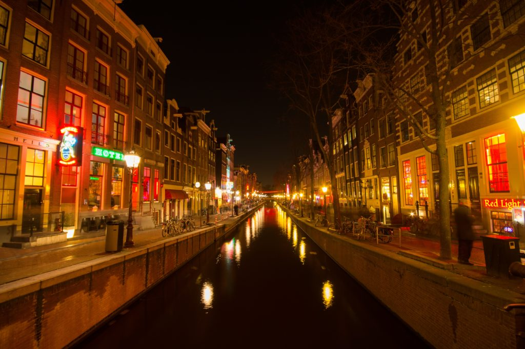 Amsterdam mayor wants to ban foreigners from cannabis 'coffee shops'