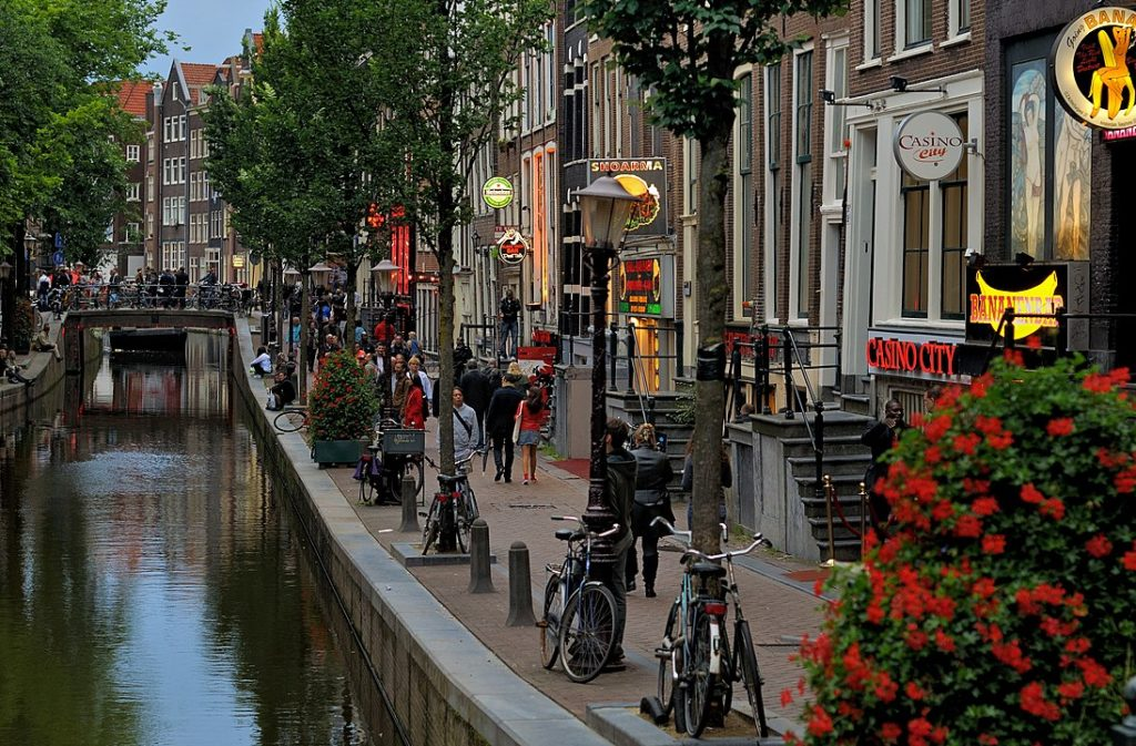"""Amsterdam councillors to """"reset"""" city by relocate sex workers"""