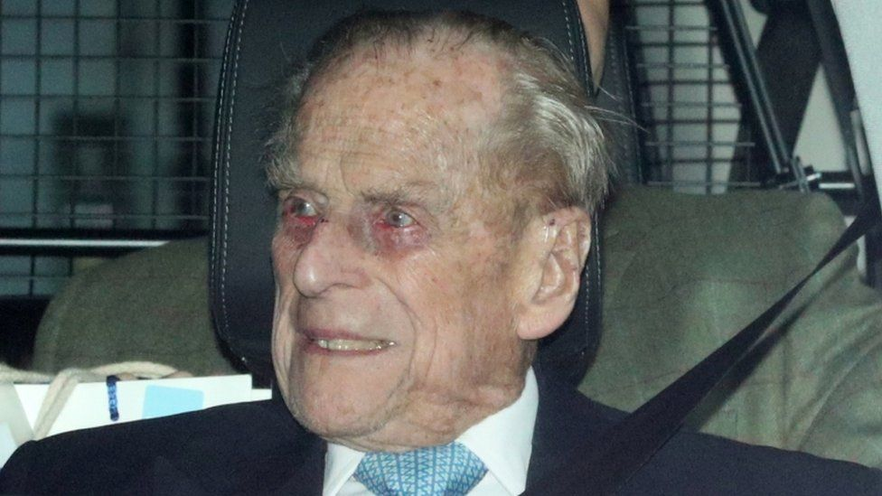 Royal fans concerned as Prince Philip's hospital stay extends