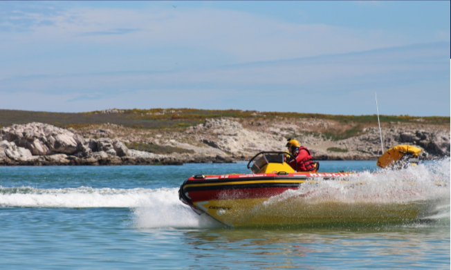Man missing after boat capsizes