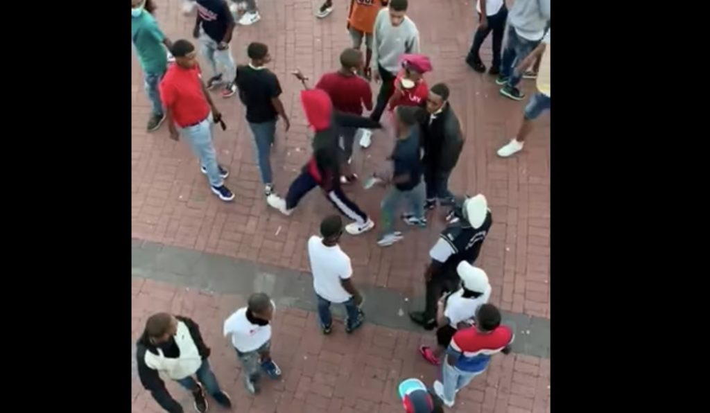Chaos at V&A Waterfront as fight breaks out