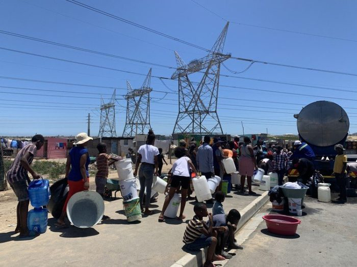 Families without water as City of Cape Town contract expires