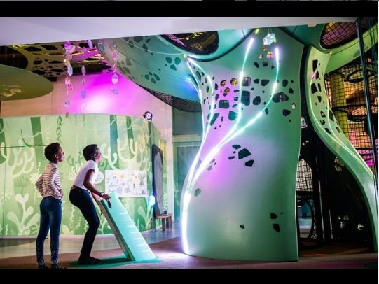 Wonderdal: A fantasy playground combined with virtual exhibits