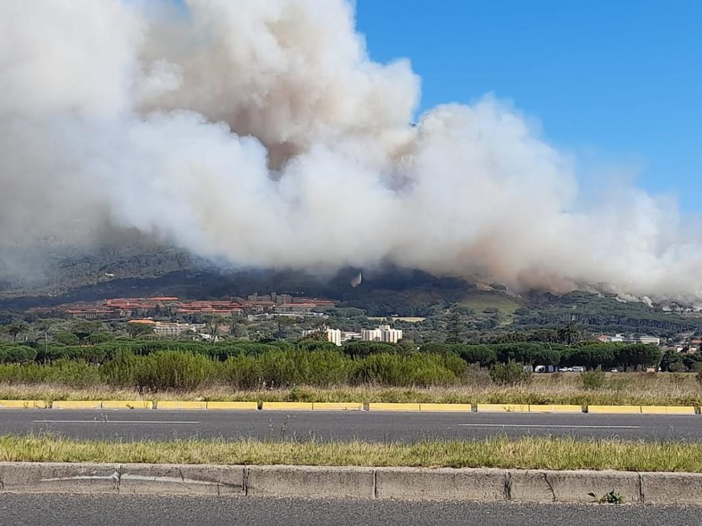 Raging fire on Table Mountain declared out of control