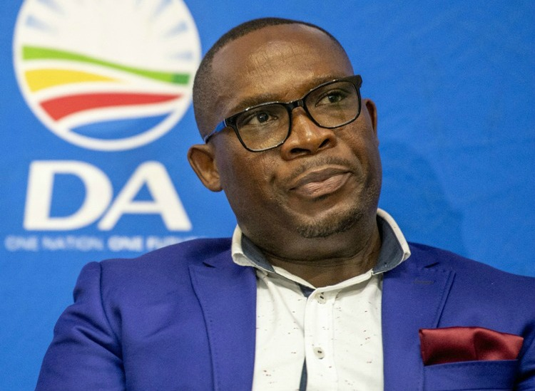 Mr Bonginkosi Madikizela resigns from Cabinet, Winde accepts